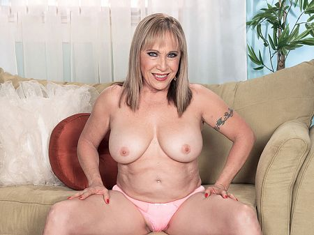 Luna Azul - Solo MILF video