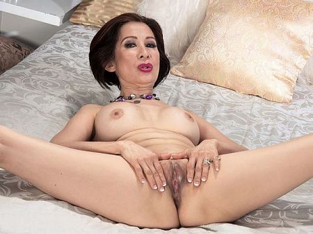 Kim Anh - Solo MILF video