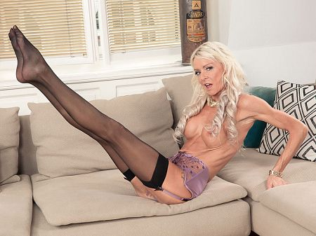 Alexis Starr - Solo MILF video