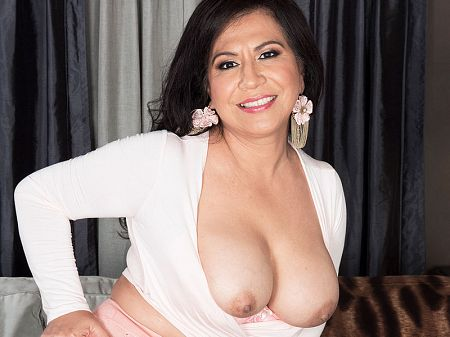 Victoria Versaci - XXX MILF video