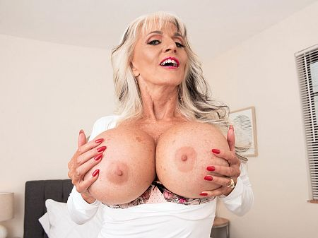 Sally D'Angelo - Solo Granny video