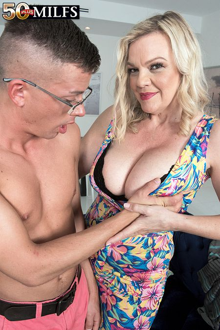 Evan Cox - XXX MILF photos