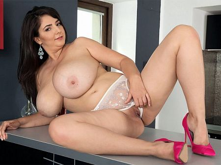 Lara Jones - Solo Big Tits video