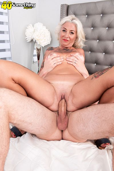 Amelia Mack - XXX MILF photos