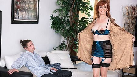Diamond Red - XXX Granny video