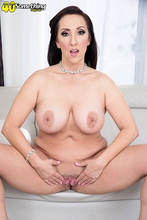 Missy Masters - Solo MILF photos