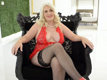 Anna Moore - Interview MILF video