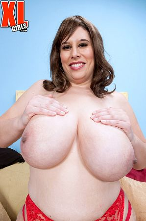 Adriana Avalon - Solo BBW photos
