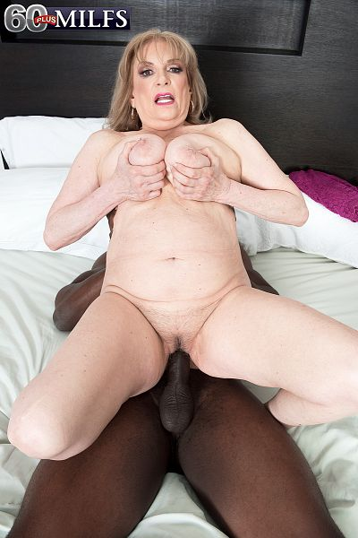 Crystal King - XXX Granny photos