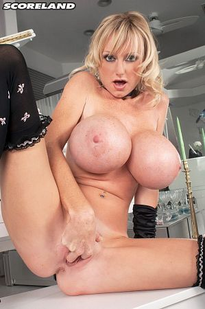 Morgan Leigh - Solo Big Tits photos
