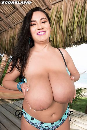 Helen Star - Solo Big Tits photos