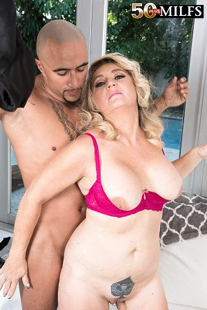 Daylynn Thomas - XXX MILF photos