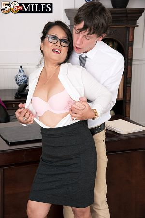 Maya Luna - XXX MILF photos