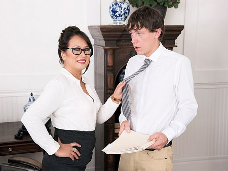 Maya Luna - XXX MILF video