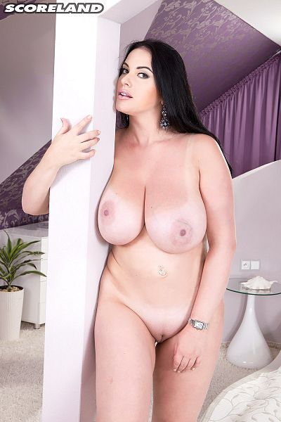 Tina Lee - Solo Big Tits photos