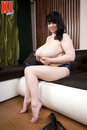 Eva Berg - Solo BBW photos
