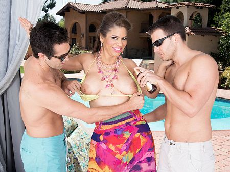 Donnie Rock - XXX MILF video