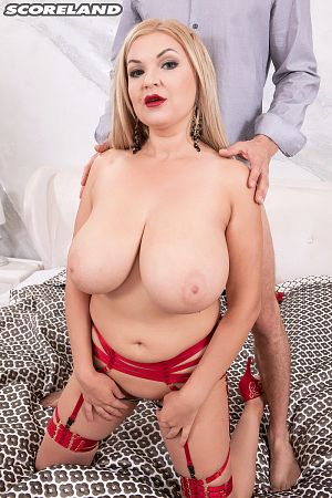 Diana Frost - XXX Big Tits photos