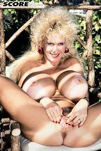 Heidi Hooters - Solo Classic photos