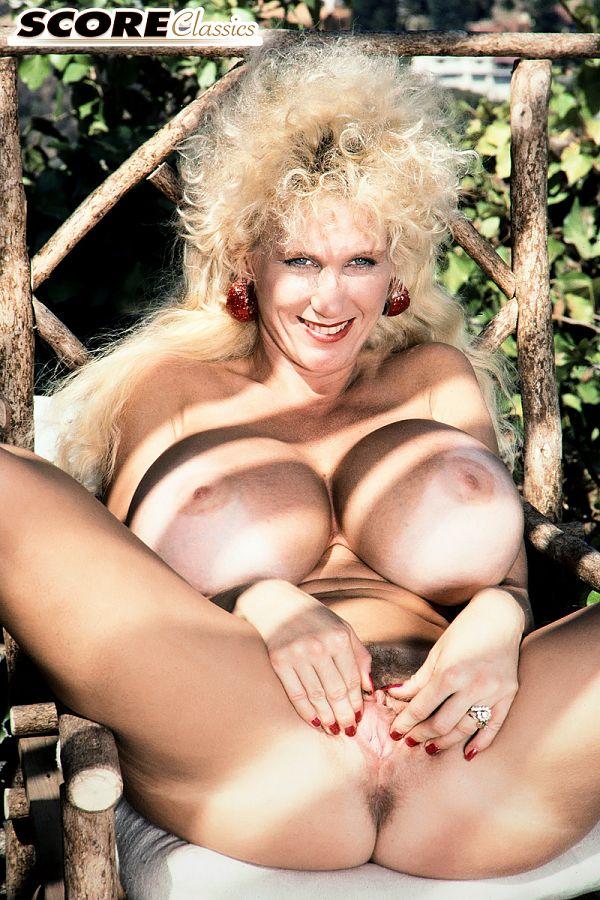 Heidi & Her Huge Hooters