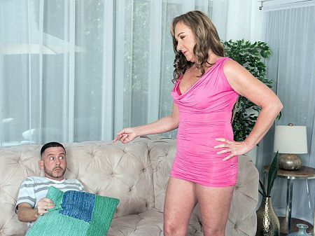 Jessie Reines - XXX MILF video