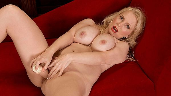 Creamy Blonde With Heavy Jugs