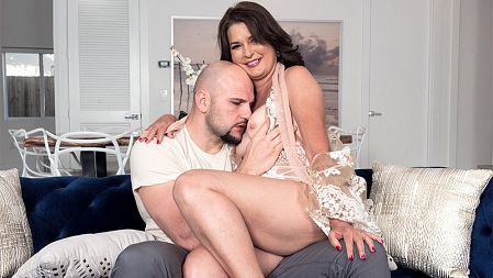 Kelly Scott - XXX MILF video