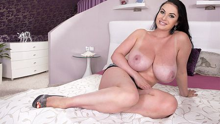 Tina Lee - Solo Big Tits video