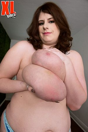 Veronica Bow - Solo BBW photos