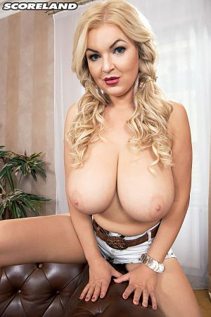 Diana Frost - Solo Big Tits photos