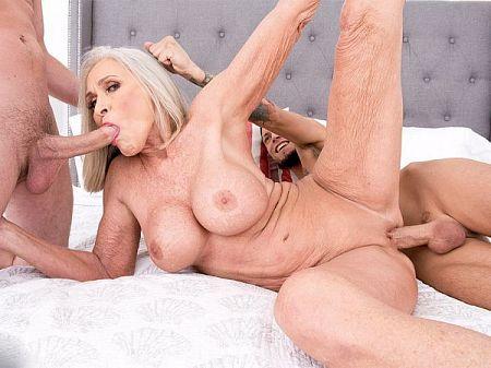Pragya jaiswal nude