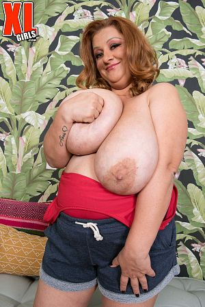 Julia Jones - Solo BBW photos