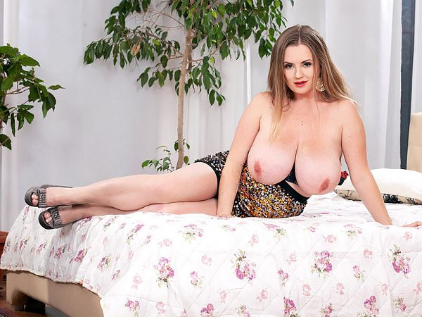 Maria Body - Solo Big Tits video
