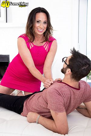 Logan Long - XXX MILF photos
