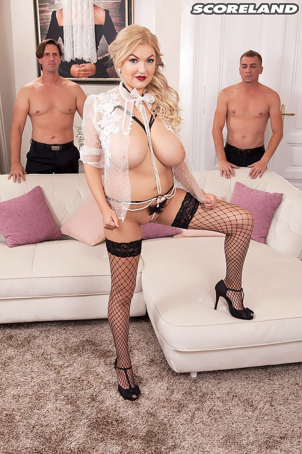 Diana Frost's Horny & Hot Big-Tit Threesome