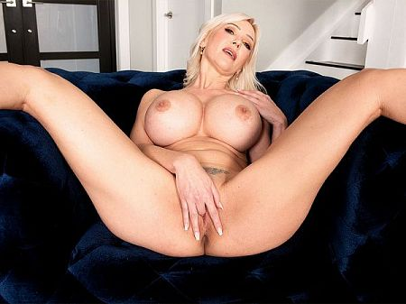 Victoria Lobov - Solo MILF video