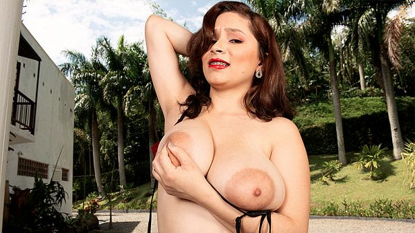 Lovely Young Kim Velez & Her Lipstick Nipples