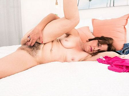 Kelly Scott - Solo MILF video