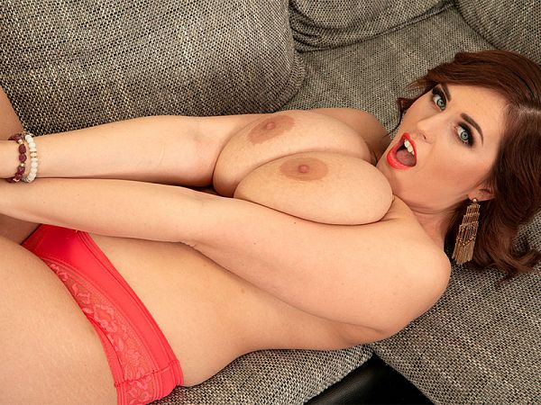 Alexsis Faye: Big Bust Beauty
