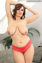 Alexsis Faye: Big Bust Beauty