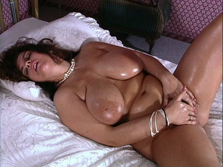 Lisa Miller: Oiled Breasts & Sexy Walking
