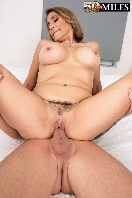 Melissa's first time: deep-throat and anal!