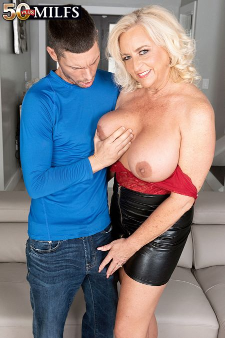 Charli Adams - XXX MILF photos