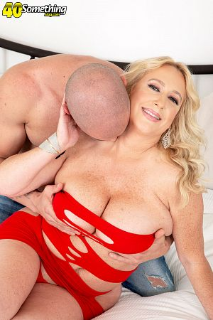Nina Bell - XXX MILF photos