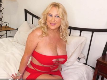 Nina Bell - Interview MILF video