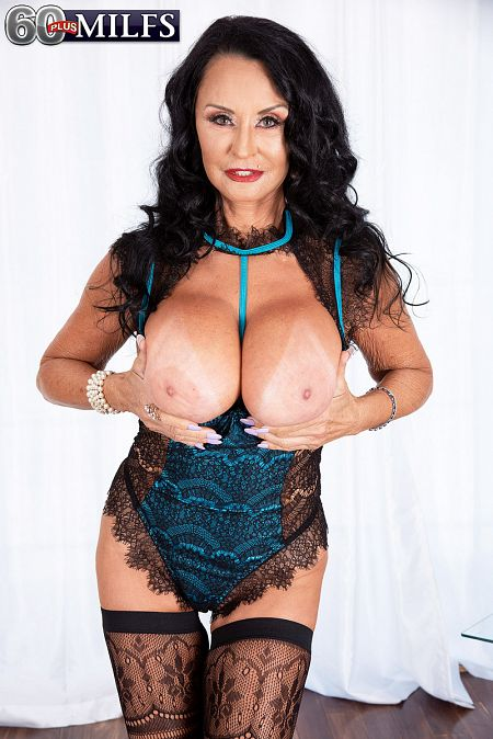 Rita Daniels - Solo Granny photos