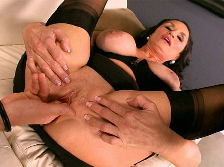 Levi Cash - Interview MILF video