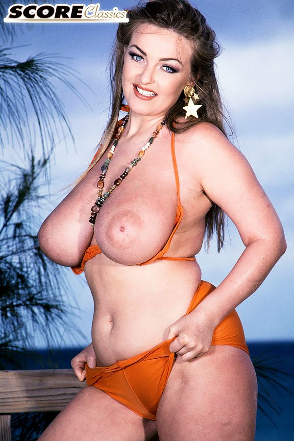 Bonnie Banks Gets Her Boobs Out In The Bahamas: The Photos