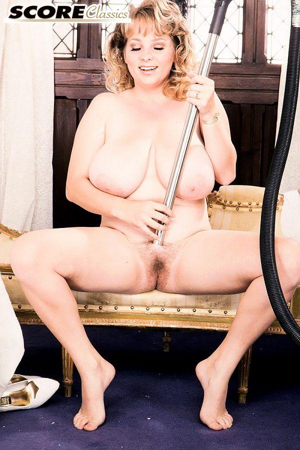 Horny Homemaker Rhonda & Her Vacuum Cleaner