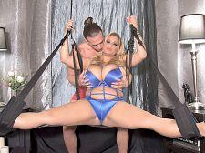 Swingin' sex with Liza Biggs
